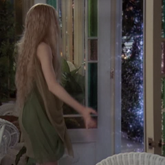 Paige orbing in front of Miranda.