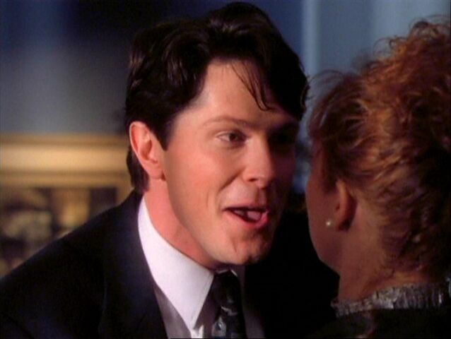 File:1x08-Rex growls at Hannah.jpg