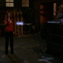 Paige deviating a Darklighter Arrow.