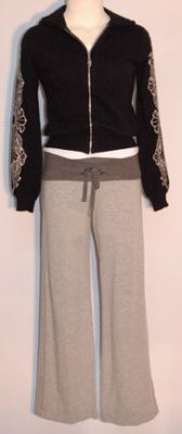 File:Pipers Clothes 8.jpg