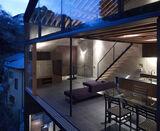 Japanese-apartment-glasses-exterior-design