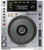 Pioneer-CDJ-850-1