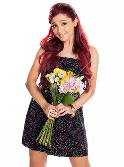 Ariana-grande-10-facts