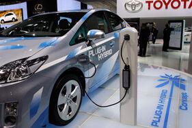 Plug-in-electric-vehicle-credit-1