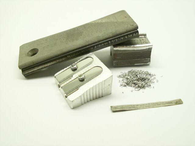 File:Magnesium-products.jpg