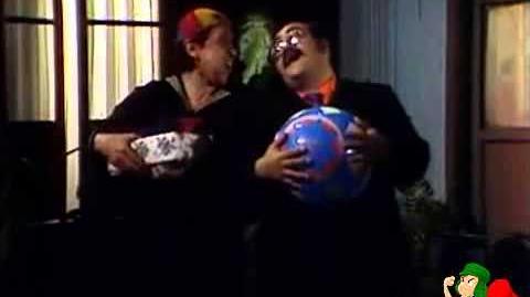 Clipe Um Ano Mais (música do Chaves)-0