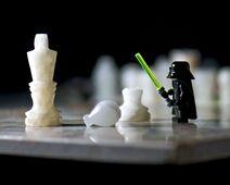 Darth-vader-vs-chess-pieces