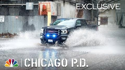 Chicago PD - Homecoming - Cut to the Car Chase (Digital Exclusive)