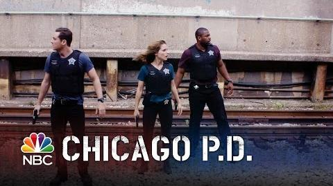 Chicago PD - Episode Highlight - Season 2 - Halstead's Epic Foot Chase