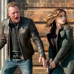 Voight and Detective Lindsay