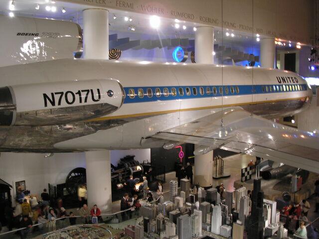 File:Boeing 727 exhibit at MSI.JPG