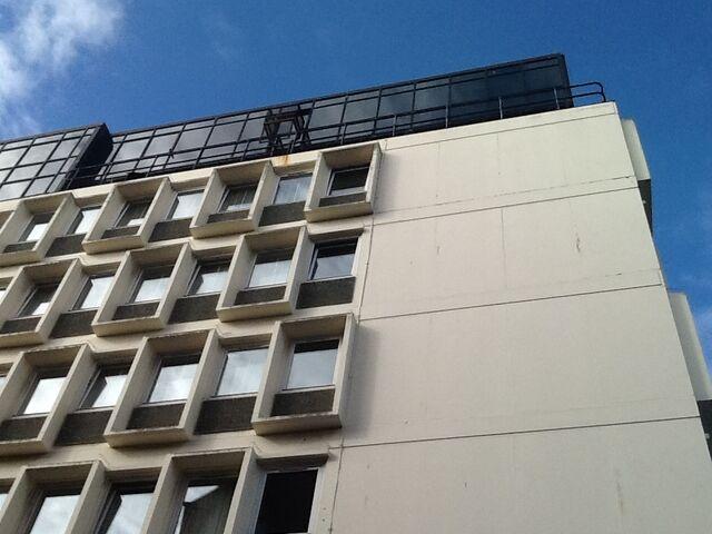 File:Hoteltop.jpg
