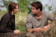 Gale shares bread with Katniss