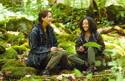Katniss and Rue bondong in the Hunger Games