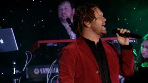 David Phelps- O Holy Night
