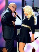 Christina-Aguilera---2013-Billboard-Music-Awards--04-560x746