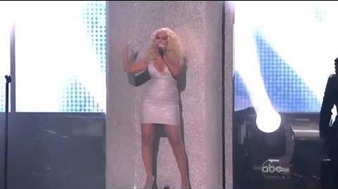 Maroon 5 ft. Christina Aguilera - Moves Like Jagger (Live at the AMA's) HD