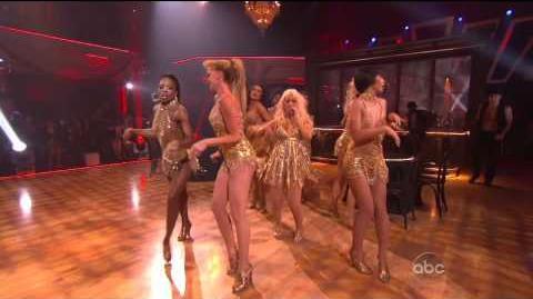 Christina Aguilera - Show Me How You Burlesque (Live 11.23.10) TheSuperHD Video