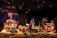 Front-yard-Christmas