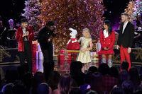 A Very Pentatonix Christmas 1