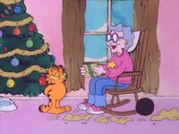 Garfield gives the letters to Grandma