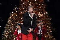 A Very Pentatonix Christmas 19