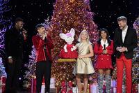 A Very Pentatonix Christmas 3