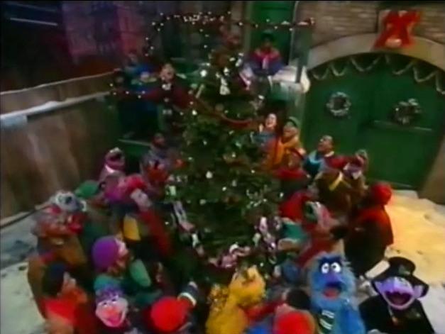 Elmo Saves Christmas.It S Christmas Again Sesame Street Christmas Specials