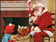 Elmo-Santa