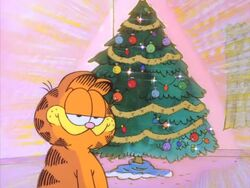 Garfield complimenting the tree