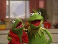 Kermit and Robin Sing Jingle Bells