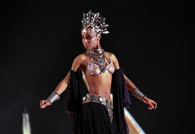 File:Aaliyah queen of the damned 001.jpg