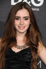 Lily-Collins-actress