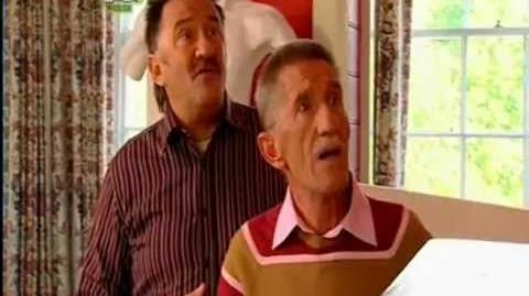 ChuckleVision 20x01 Mind Your Manors