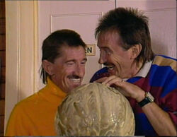 Chucklevision - 3x03 - Stop that World 360p 0001