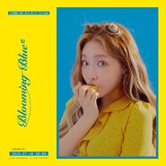 Chungha Blooming Blue Promo Picture (1)