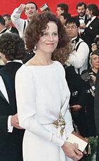 170px-Sigourney Weaver 1989 Academy Awards