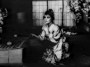 Lil Dagover just before her death in 'Harakiri'