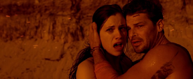 Jessica De Gouw with Nathan Phillips (II) just before their deaths in 'These Final Hours'