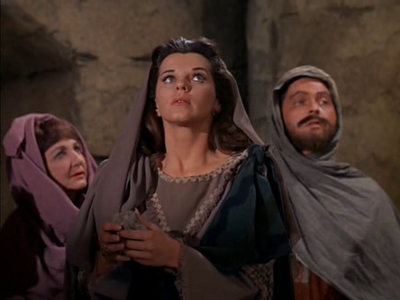 Lisa Gaye just before her death in 'The Time Tunnel-The Walls of Jerico'