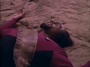Michael Dorn dying in 'Star Trek-The Next Generation-Hide and Q'