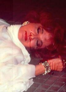12-o-suicidio-de-laurinha-figueiroa-gloria-menezes-em-rainha-da-sucata-globo-1990-1436046670619 300x420