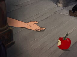 Snow-white-disneyscreencaps.com-8792