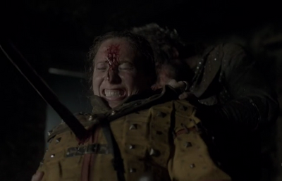 Caroline Simmonet being killed in 'Vikings-Kill the Queen'