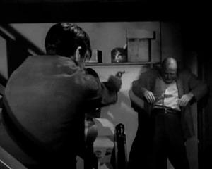 Bartlett Robinson shot in 'Peter Gunn-The Torch'