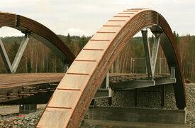 Wooden arch bridge construction