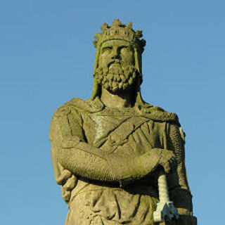 A statue of Robert the Bruce at Stirling Castle (which appears to have inspired his in-game model)