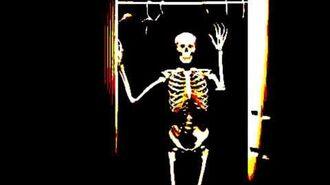 CREEPYPASTA- Skeleton in the Closet