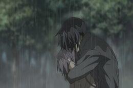 Kyou y tomoya abrazados