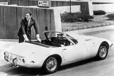 1967 2000GT james bond